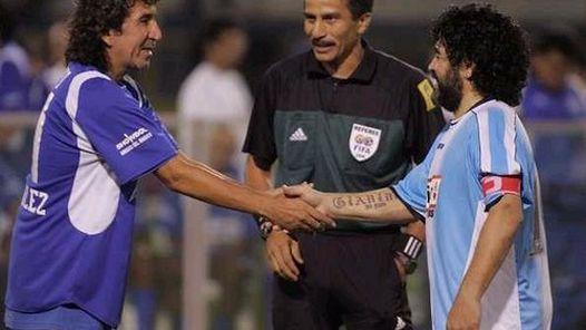 Magico-Gonzalez-Diego-Maradona-centroamerica_CLAIMA20100825_0145_4.jpg