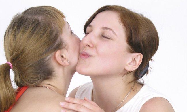 protocolo-de-saludos-y-besos-alrededor-del-mundo-2
